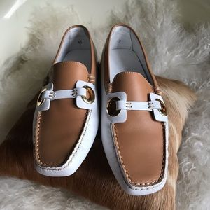 Rare Tods contrast loafers white and tan